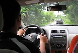 Kiểm tra kỹ càng, lái thử xe