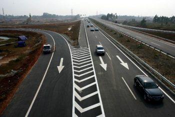 Tổng hợp những kinh nghiệm lái xe cao tốc dành cho tay lái mới
